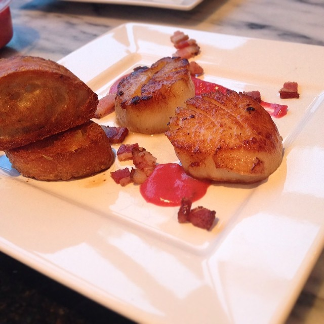 Some delectable pan-seared #scallops paired with a plum basil sauce! #freshseafood #homemade #nofilter
