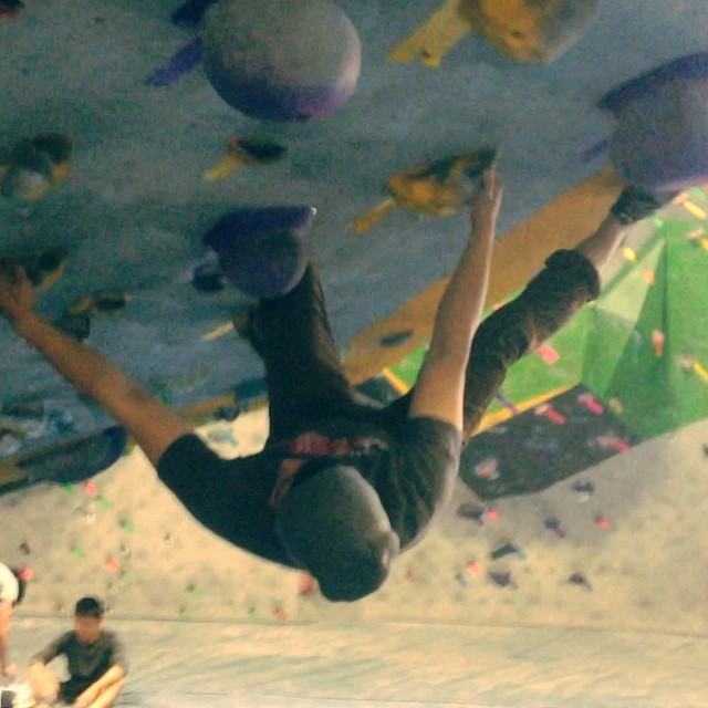 Some super fun #bouldering on the roof at #dogpatchboulders (followed by some weights and a little jiu jitsu). A decidedly satisfying valentine's day.