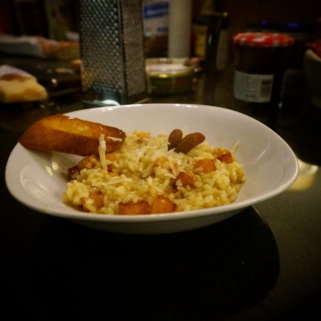 Winter wouldn't be complete without a butternut squash #risotto. Only 6 ingredients! Arborio rice, squash, chicken stock, shallots, olive oil, brown sugar. Served under Parmesan and toasted almonds. #homemade #nofilter