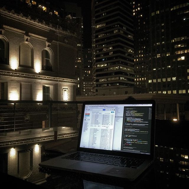 Gorgeous #SF nights means burning the midnight oil with a view. Roof office = rooffice?