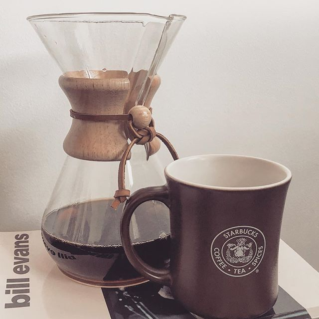 Sunday morning video editing with a desk-side #Chemex to keep me company. #pourover #coffee