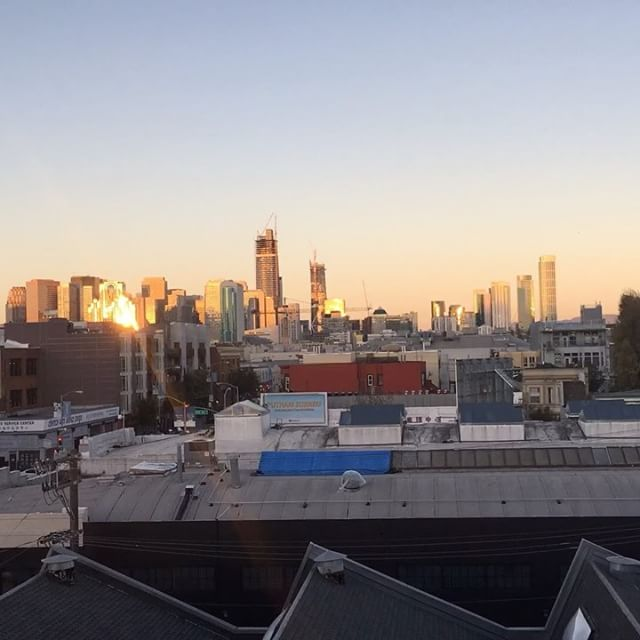 Sunset on the city from @payplastiq HQ. #sf