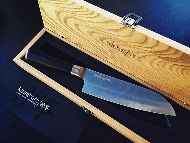 There's nothing quite like receiving a stunning chef's knife from a dear friend. Many, many thanks.
