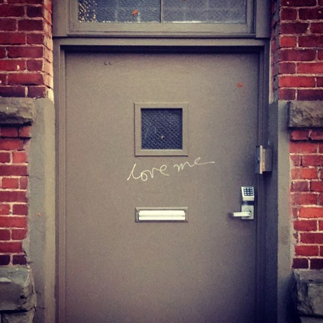 Hey, I guess this door uses Instagram too!  . . #realfakedoors